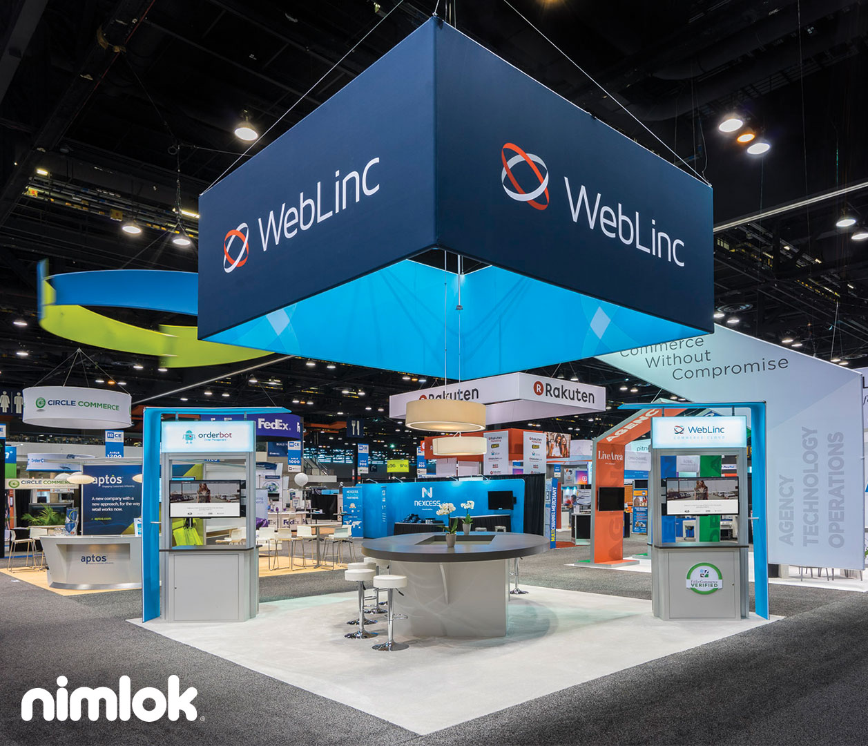 Trade Show Booth Visitors : Weblinc trade show exhibit v nimlok